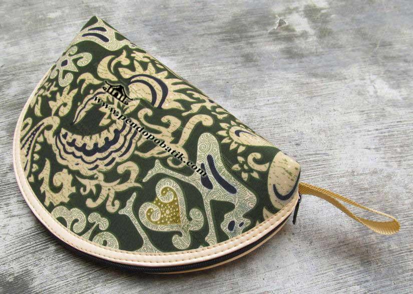 Souvenir nikah dompet batik
