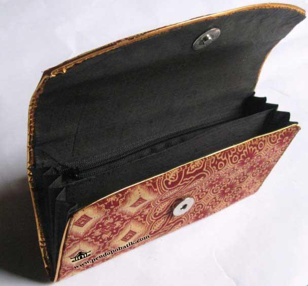 Tampilan Souvenir Nikah Dompet Batik